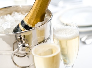 champagne_thinkstock 136557988_credit istockphoto forward slash thinkstock